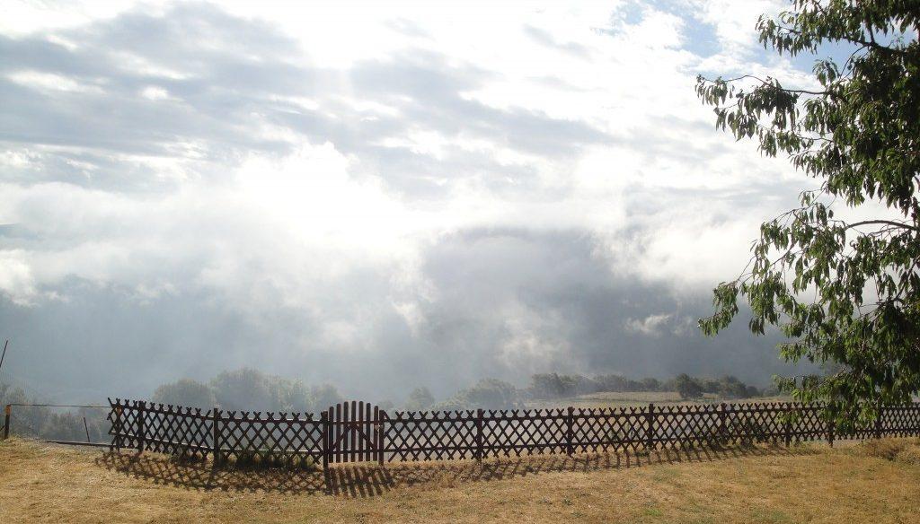 Valla y nubes (1)